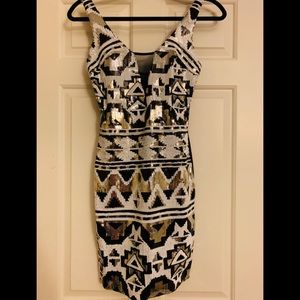 Dresses & Skirts - Party dress size small